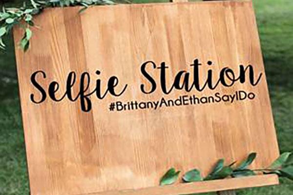 Selfie Posting - Photo Opp